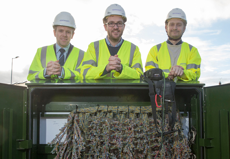 Image of Oliver Mundell MSP with engineers